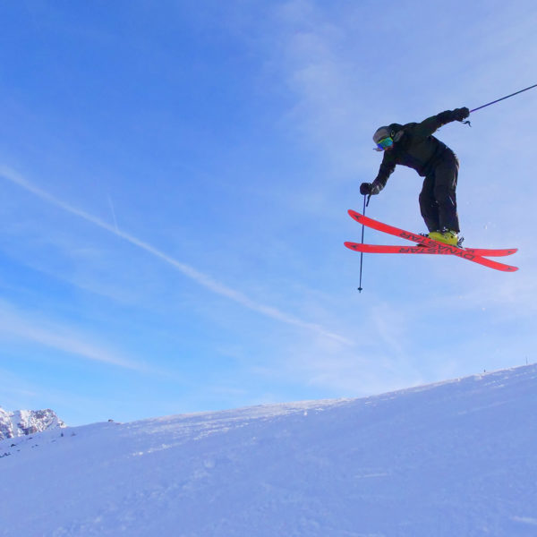 Skieur - Montgenèvre - Station de ski des Hautes Alpes © Office de Tourisme de Montgenèvre